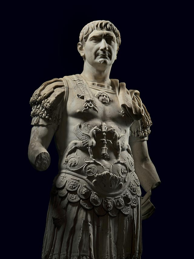 SET OF 2 ANCIENT ROMAN EXCAVATED EUROPEAN COLUMN ARTIFACT SCULPTURES