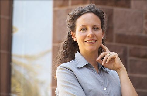 Laura Morelli Bio @ National Geographic Traveler